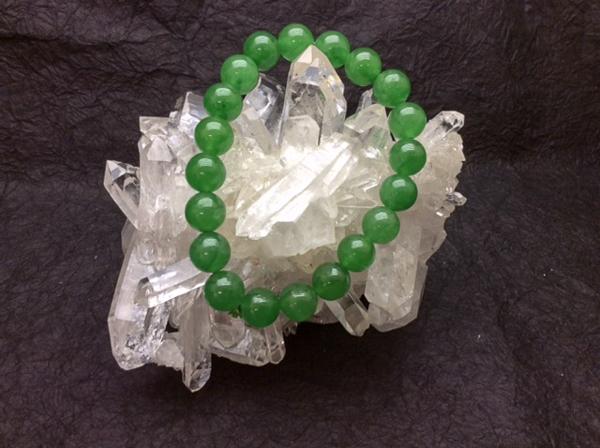 極上のグリーン翡翠